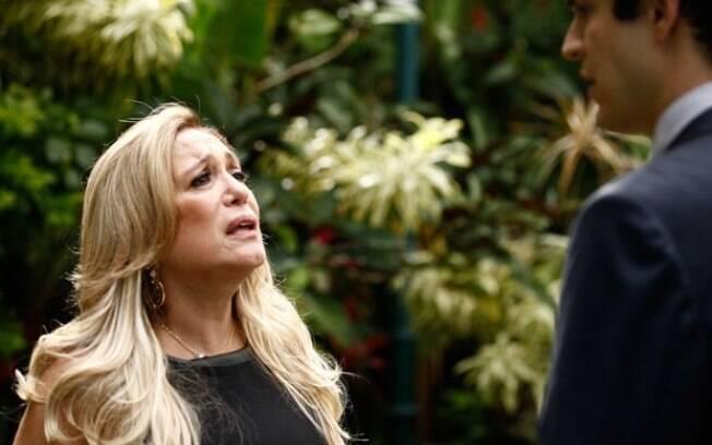 Pilar diz a Félix que César preferia o filho que morreu afogado
