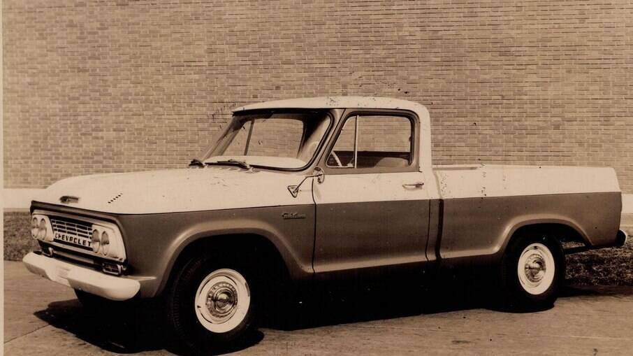 Chevrolet C-14 (foto) foi a antecessora da C-10 e se tornou um marco na história da GM no Brasil