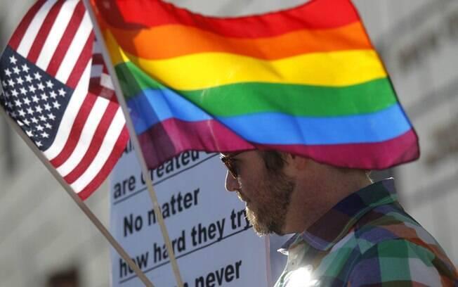 Bandeira dos Estados Unidos e do arco íris
