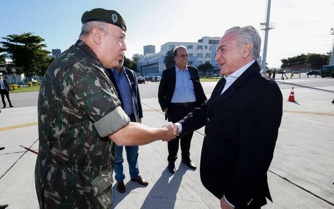 Segundo o presidente do Senado, o decreto assinado por Michel Temer de intervenção militar no Rio será publicado hoje