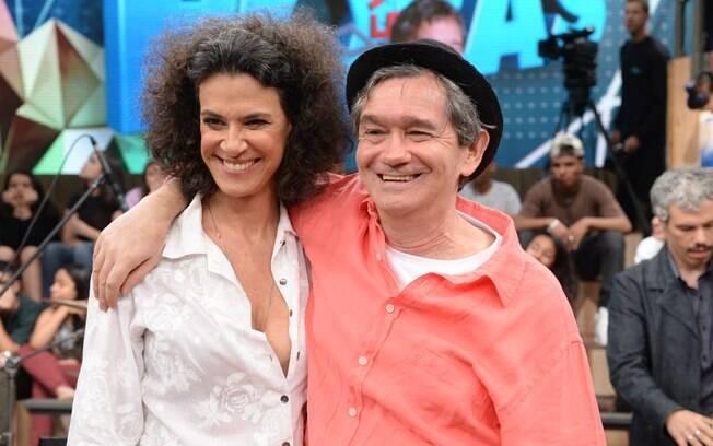 Simone com Serginho Groisman durante gravação do 'Altas Horas'