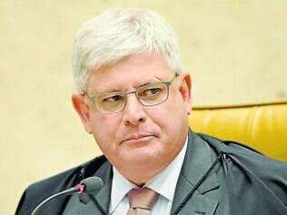 Identidades.  Janot afirmou que só revelará os nomes dos políticos quando o inquérito for aberto