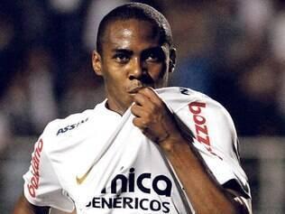 Volante Elias chega ao time carioca por empréstimo de um ano