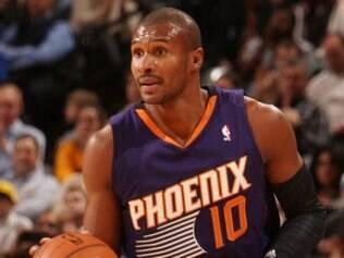 Leandrinho ajudou o Suns a conseguir mais uma vitória diante do Pacers