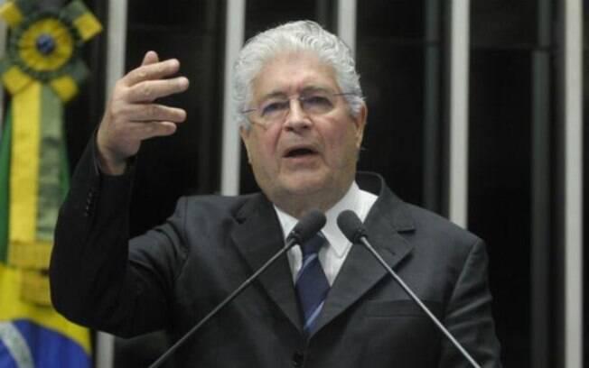 Requião fez a leitura de parecer favorável ao Projeto de Lei, que modifica o texto da Lei de Abuso de Autoridade