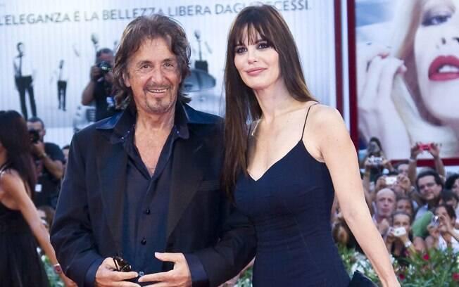 39 ANOS: Al Pacino (73 anos) e Lucila Solá (34 anos). Foto: SplashNews