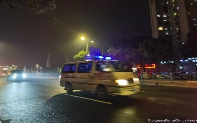 Hotel Xinjia usado para quarentena do coronavírus tinha 70 pessoas quando desabou