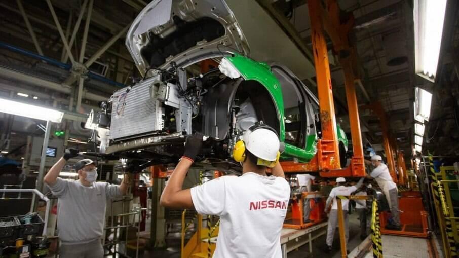 Renault também irá paralisar fabricação no Brasil por causa da Covid-19