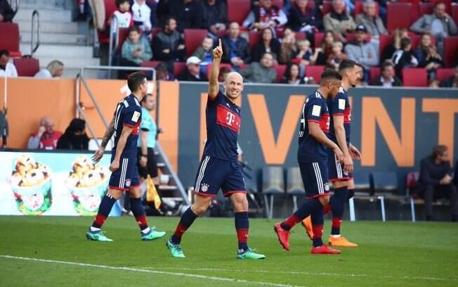 Robben comemora o terceiro gol do Bayern
