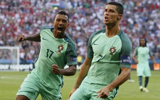 Portugal de Cristiano Ronaldo e Nani passou com três empates e agora enfrenta a Croácia