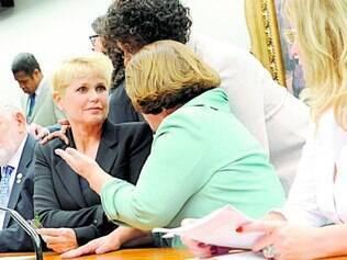 Ofendida. Xuxa não respondeu às críticas do deputado na sessão que discutiu a Lei da Palmada