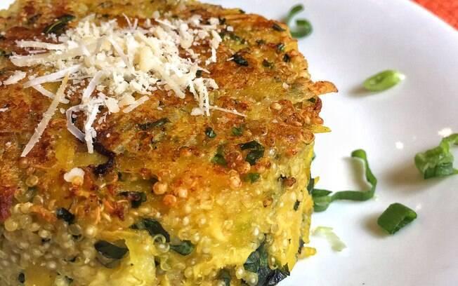 A nutricionista Bianca Hermina%2C do restaurante Verde Vício%2C sugeriu essa receita de rostie com quinoa e sem fritura para complementar uma alimentação mais saudável!