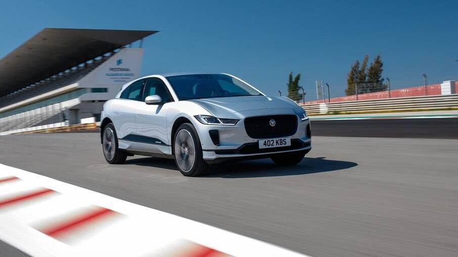 Jaguar I-Pace: primeiro modelo 100% elétrico da marca é vendido no Brasil, onde a oferta desse tipo de carro ainda é pequena