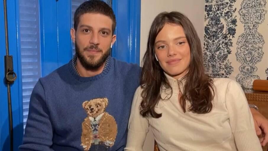 Chay Suede e Laura Neiva esperam o segundo filho