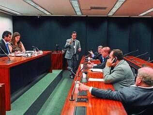 Investigação. Deputados querem que Tribunal de Contas analise contrato de prestadora de serviço