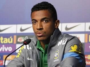 Volante brasileiro conhece bem os jogadores espanhois