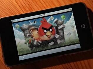 Angry Birds e Facebook são os aplicativos mais populares para iPhone