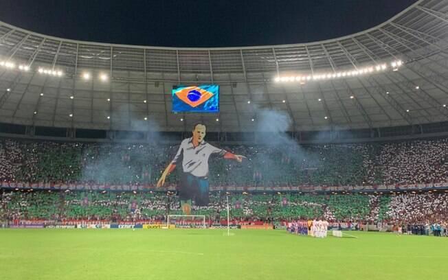 Torcida de Fortaleza x São Paulo fez mosaico em homenagem ao treinador Rogério Ceni