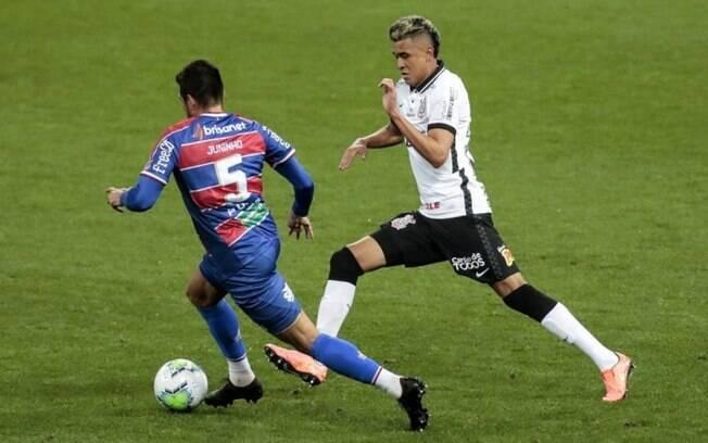 Fortaleza x Corinthians: prováveis times, desfalques e onde assistir