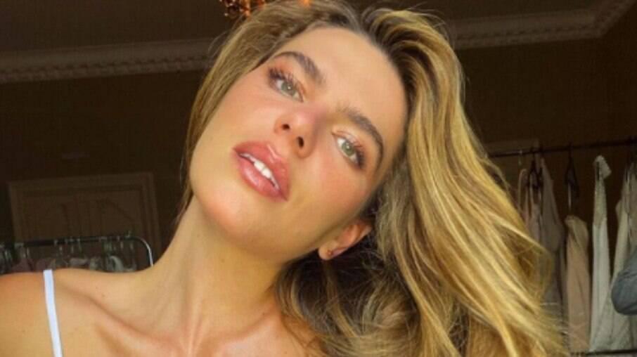 Mariana Goldfarb faz desabafo sobre corpo
