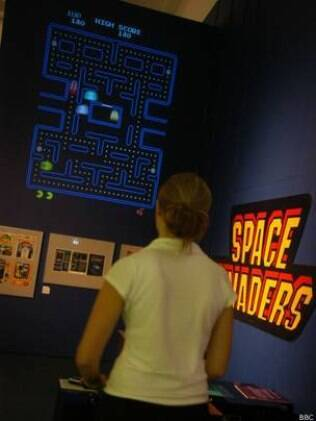 Computador joga games de Atari, como Pac Man