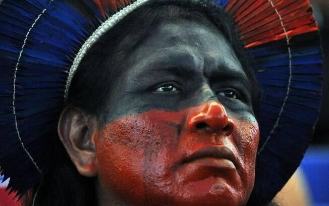 Povos indígenas brasileiros buscam, pela venda de produtos e pelo turismo, conquistar autonomia e independência da Funai