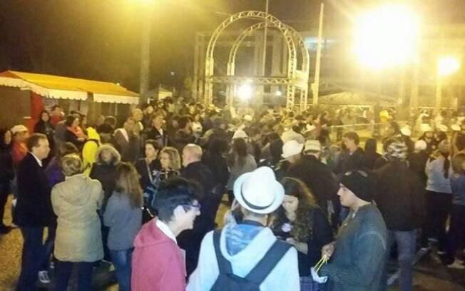 Em greve, professores do Paraná passam noite em frente à Assembleia Legislativa´(29.4.2015). Foto: Divulgação/APP Sindicato