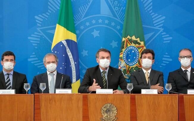 bolsonaro e ministros máscara