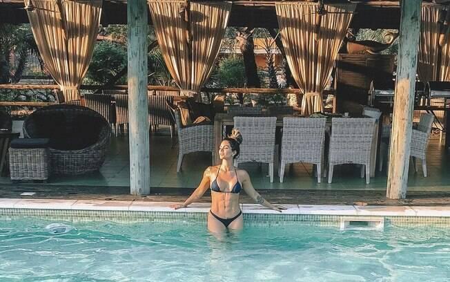 Kelly Key, famosa por hits como Baba e Barbie Girl, compartilhou no perfil do Instagram as fotos de biquíni tiradas na viagem