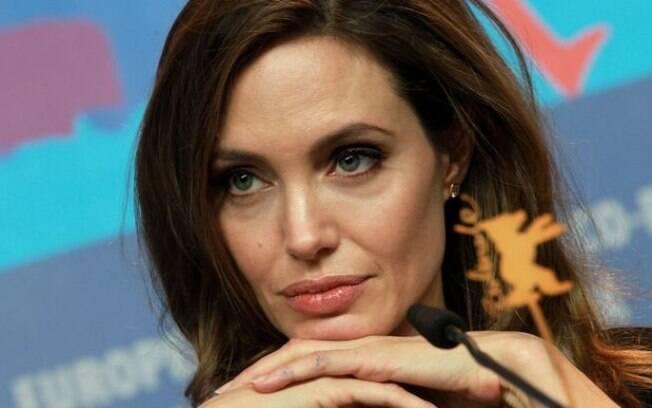 Angelina Jolie: nova posição