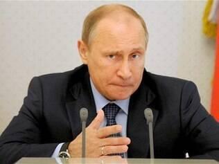 Vladimir Putin disse que não pretende se manter no cargo indefinidamente, mas não descartou reeleição em 2018