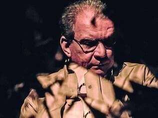 Autor. Fernando Monteiro diz que se despede do romance para voltar a se dedicar à poesia
