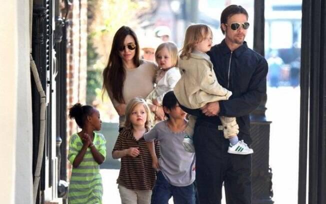 Angelina Jolie, Brad Pitt e seus seis filhos