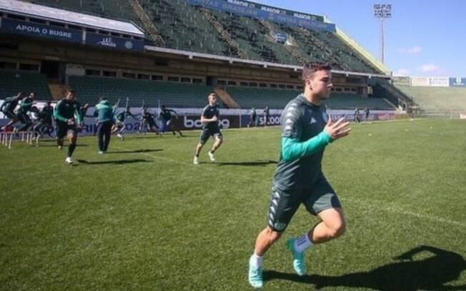 Guarani faz treino focado para jogo de sábado