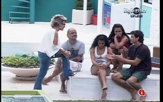 Ana Maria conversa com os brothers enquanto Jonas e Fabiana fazem a Compra da Comida