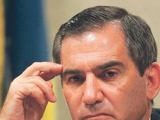Vaia a Dilma não veio só da 'elite branca', diz ministro