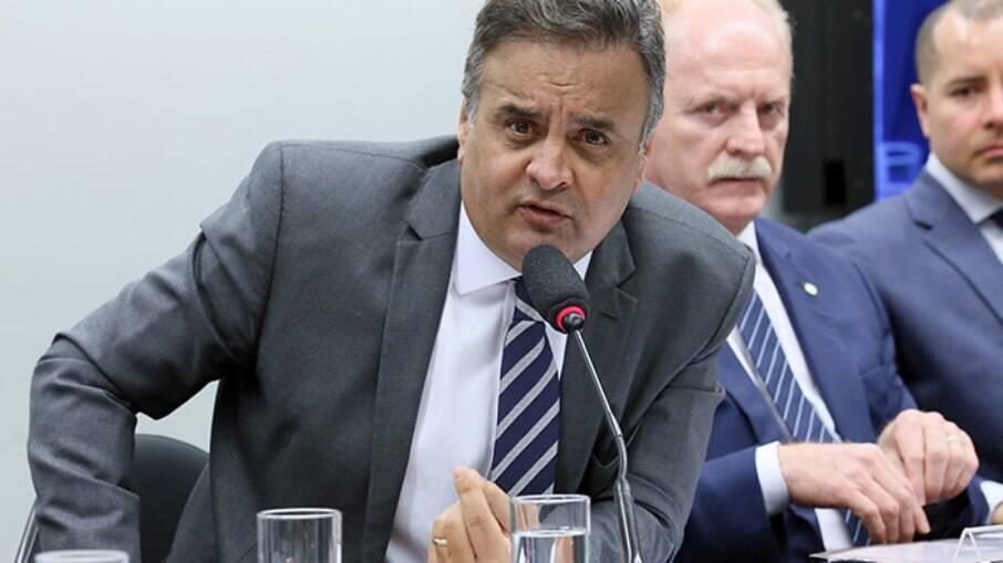 Aécio Neves era acusado de receber recursos de empresas em troca de benefícios