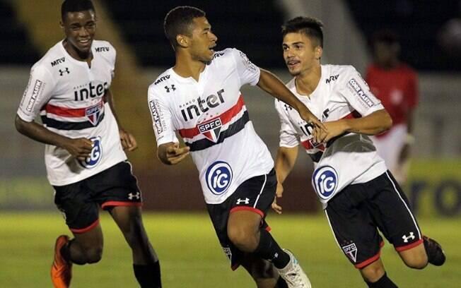 São Paulo se classificou na Copinha com o melhor ataque da competição na fase de grupos