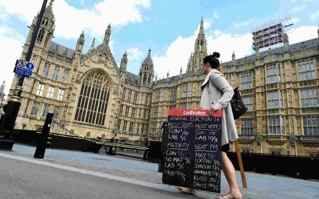 Poucos dias após atentados em Londres e em Manchester, o Reino Unido tem que votar nas eleições gerais