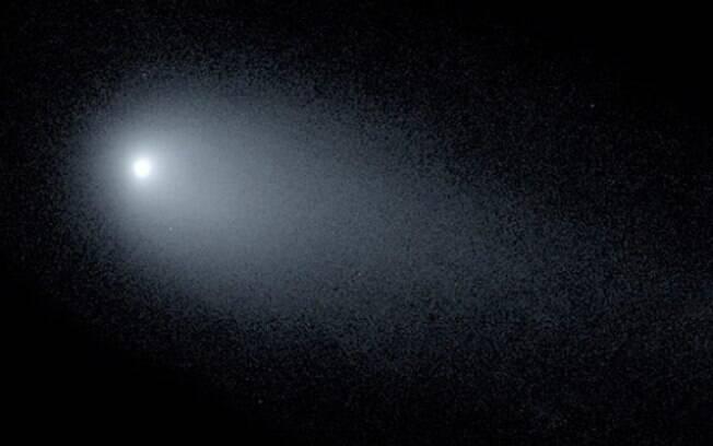 O 2I/Borisov em 24 de novembro, e sua cauda de mais de 161 mil quilômetros