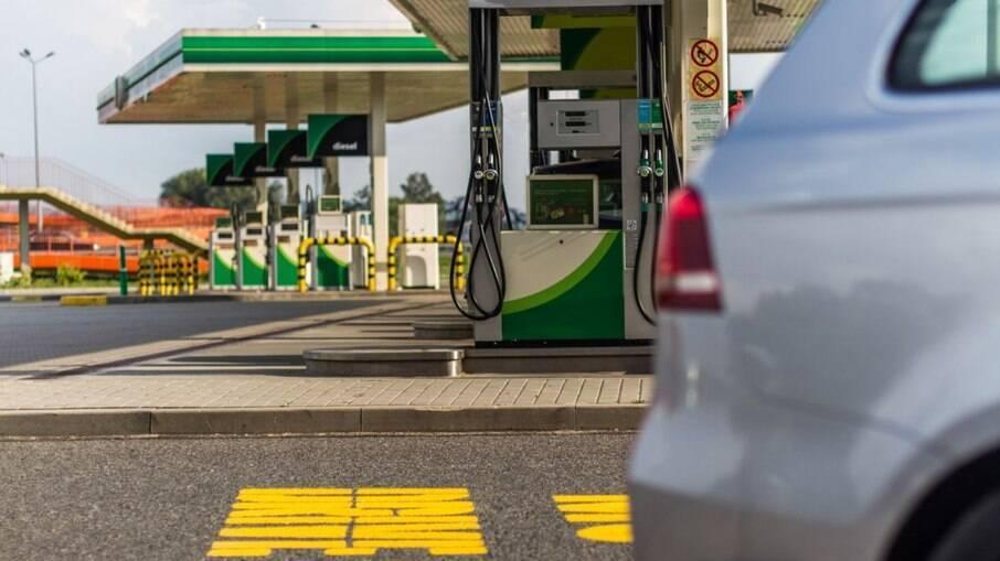 Após pressão de Lira,  Câmara pode votar mudança de ICMS nos combustíveis hoje