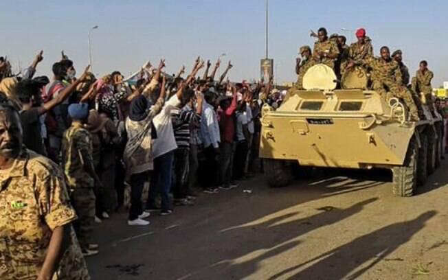 Militares e civis do Sudão agora decidirão o percentual de participação de cada grupo