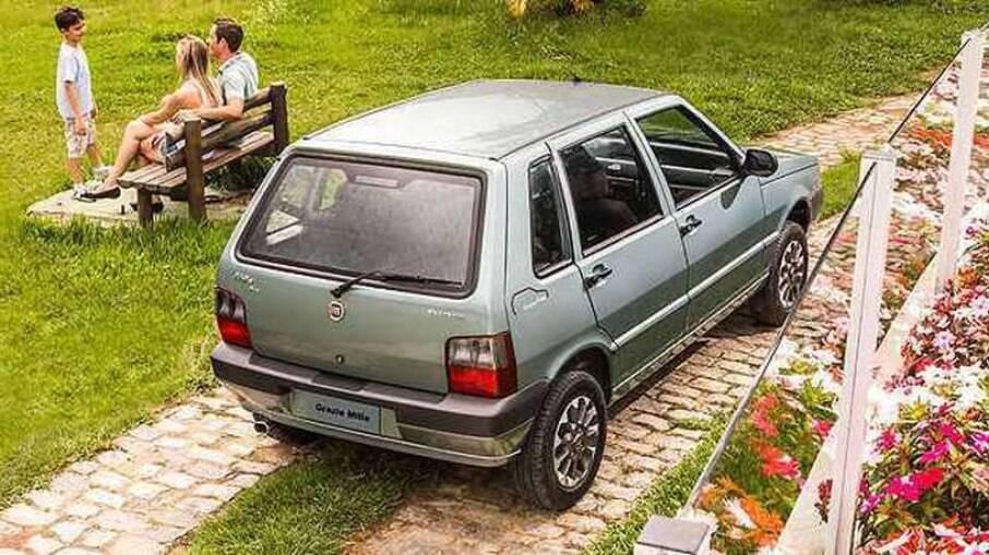 Fiat Grazie Mille marcou o fim do modelo, que não tinha airbags e ABS para continuar a ser produzido no Brasil