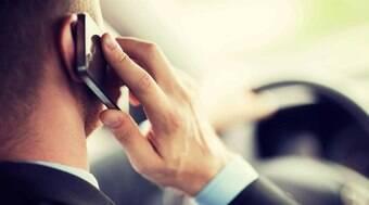 Uso de celular ao volante representa 7,5% das multas em SP