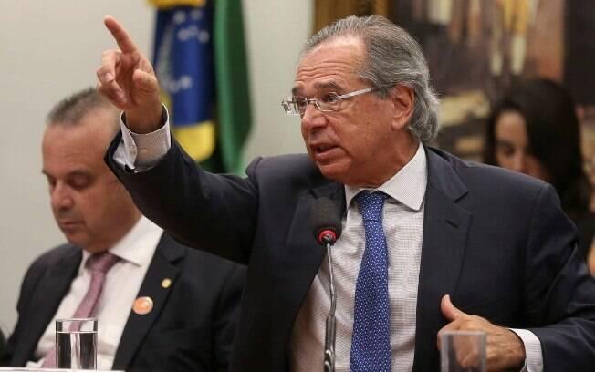 Paulo Guedes vai à Comissão Mista de Orçamento