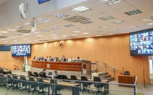 Câmara vota criação do Fundo do Trabalho e policiamento em escolas