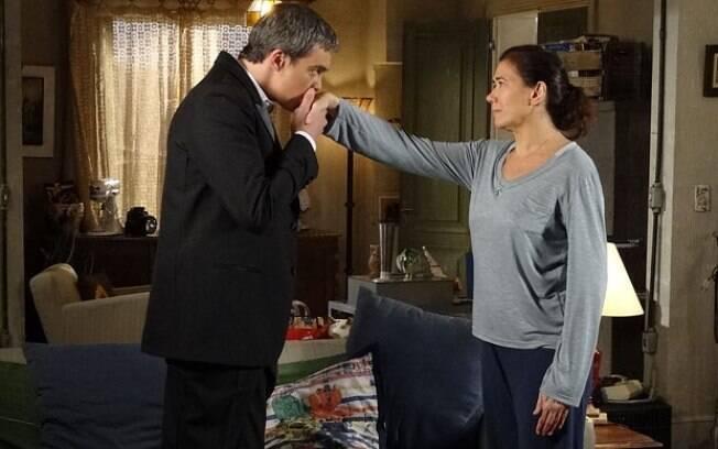Atencioso, René consolou Griselda ao saber que ela foi humilhada por Tereza Cristina dentro de sua própria casa