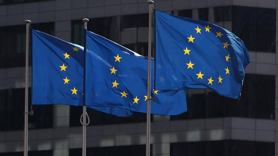 União Europeia irá autorizar entrada de turistas vacinados
