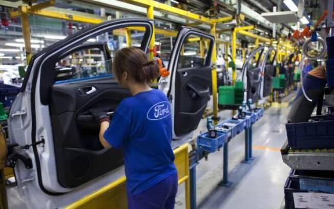Empresa norte-americana anunciou o fechamento de três unidades e a demissão de 5 mil funcionários