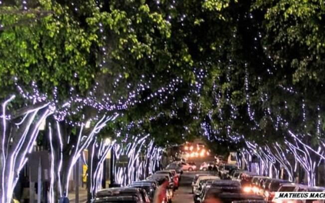 A cidade já ligou as luzes de Natal e está preparada para os turistas